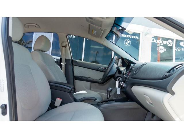 2010 Kia Forte EX 5M Sedan -  - Image 23
