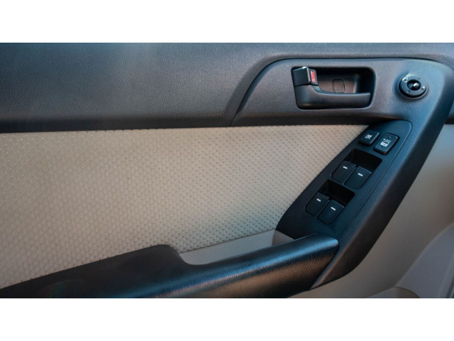 2010 Kia Forte EX 5M Sedan -  - Image 28