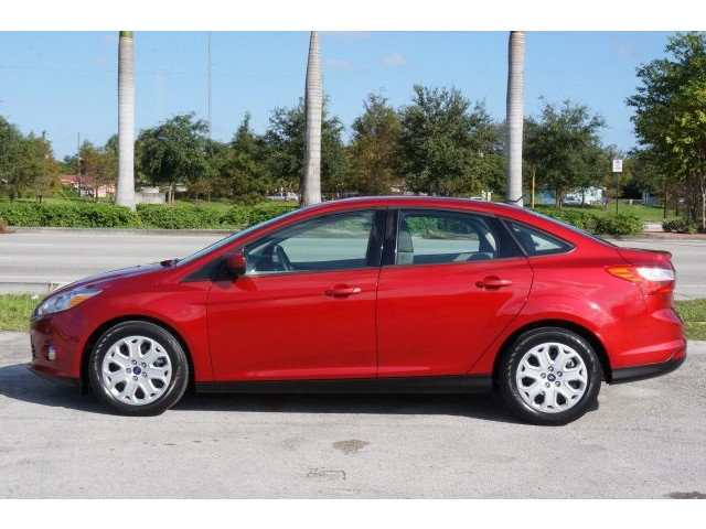 2012 Ford Focus 4D Sedan - 203611F - Image 4