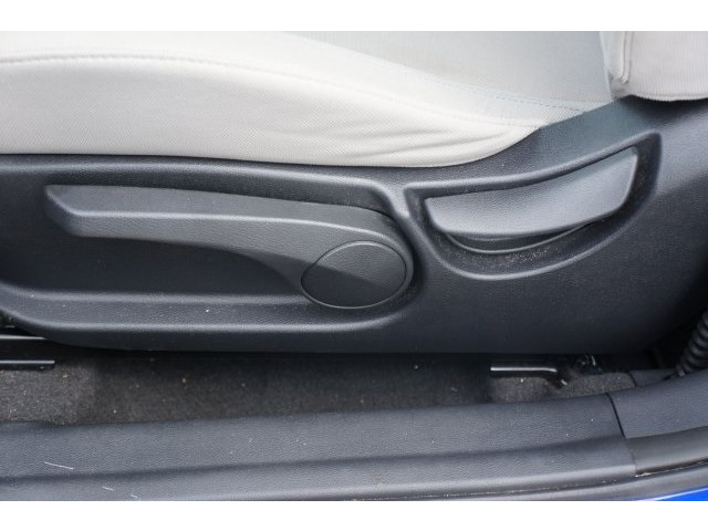 2012 Hyundai Veloster 3D Hatchback - 203589A - Image 18