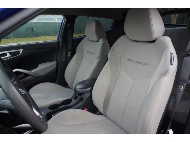 2012 Hyundai Veloster  3D Hatchback  - 203589A - Image 17