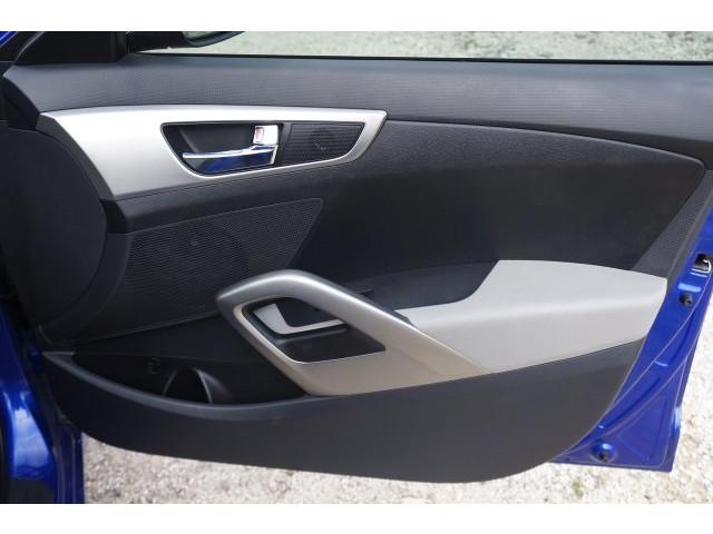 2012 Hyundai Veloster  3D Hatchback  - 203589A - Image 22