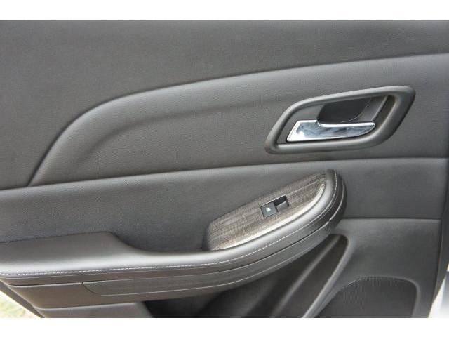 2015 Chevrolet Malibu 1LT 4D Sedan - 203636F - Image 22