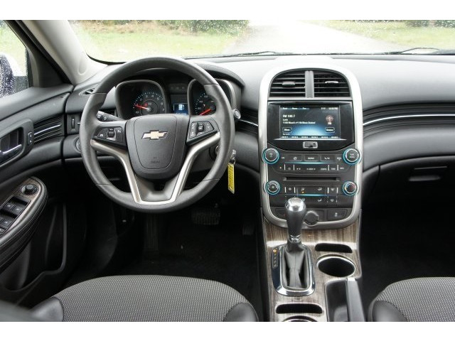 2015 Chevrolet Malibu 1LT 4D Sedan - 203636F - Image 32