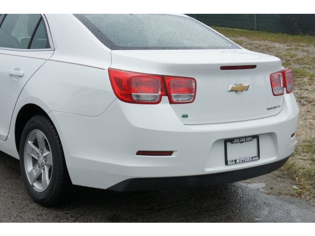 2015 Chevrolet Malibu 1LT 4D Sedan - 203636F - Image 11