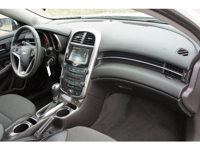 2015 Chevrolet Malibu 1LT 4D Sedan - 203636F - Image 27
