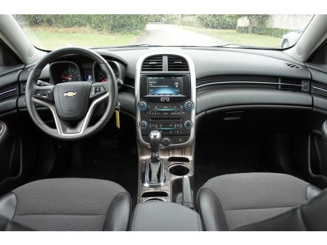 2015 Chevrolet Malibu 1LT 4D Sedan - 203636F - Image 31