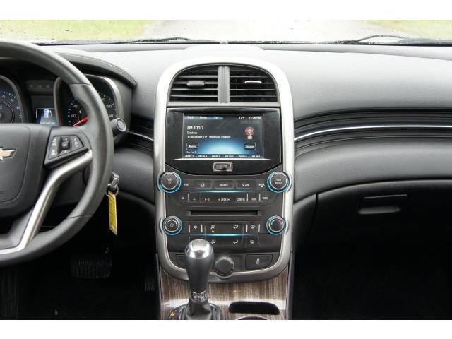2015 Chevrolet Malibu 1LT 4D Sedan - 203636F - Image 33