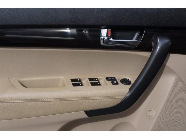 2012 Kia Sorento  4D Sport Utility  - 203644F - Image 15