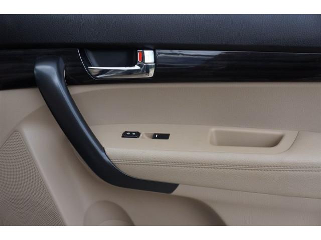 2012 Kia Sorento  4D Sport Utility  - 203644F - Image 27